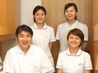 盛岡市成人矯正審美歯科の安藤歯科医院のスタッフは親切でやさしいですよ。